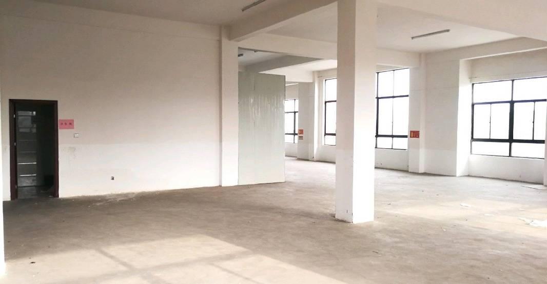 周庄10000平方在建房