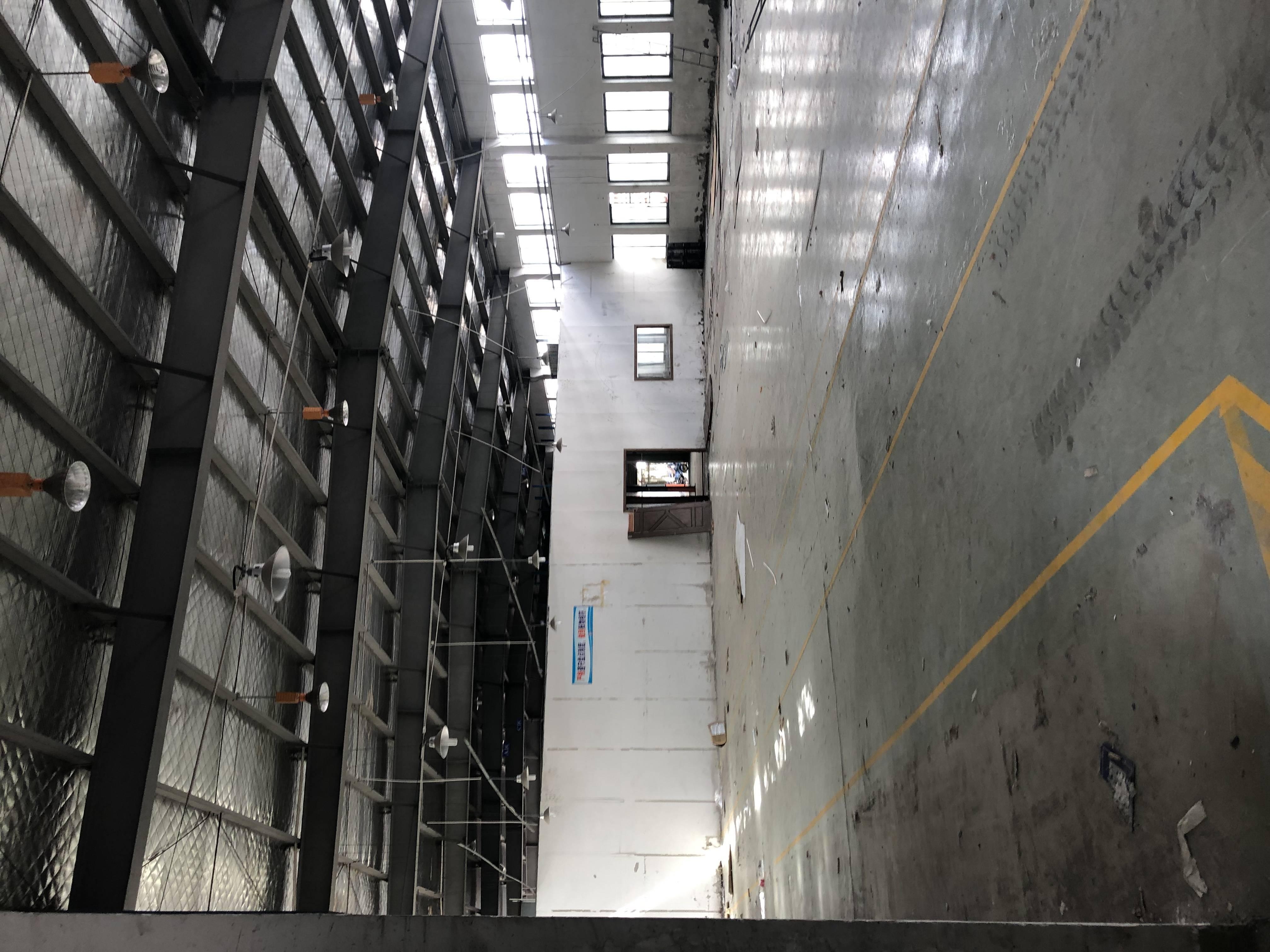 城北独栋火车头式厂房2400平米
