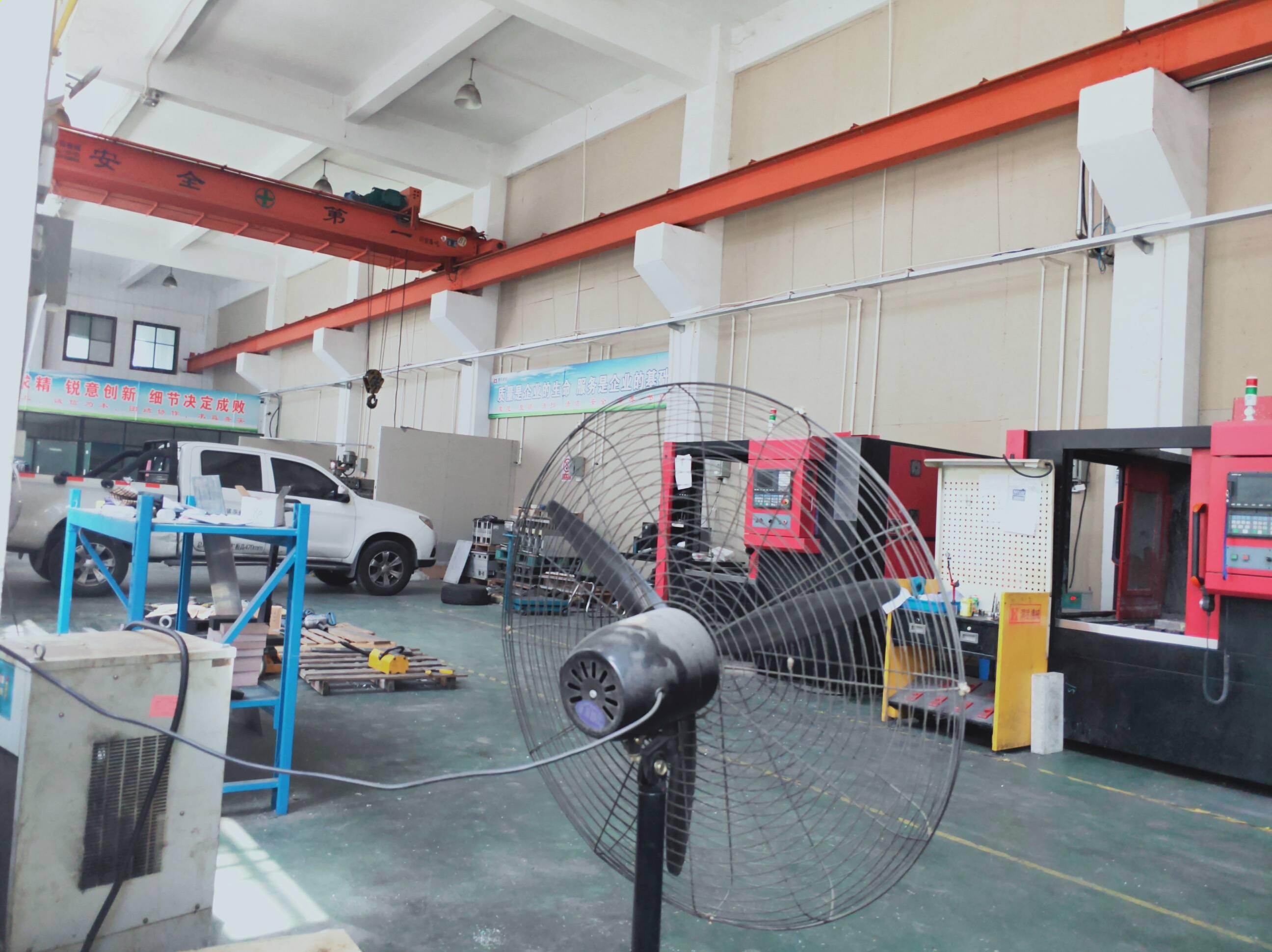 开发区单层550平厂房出租带行车