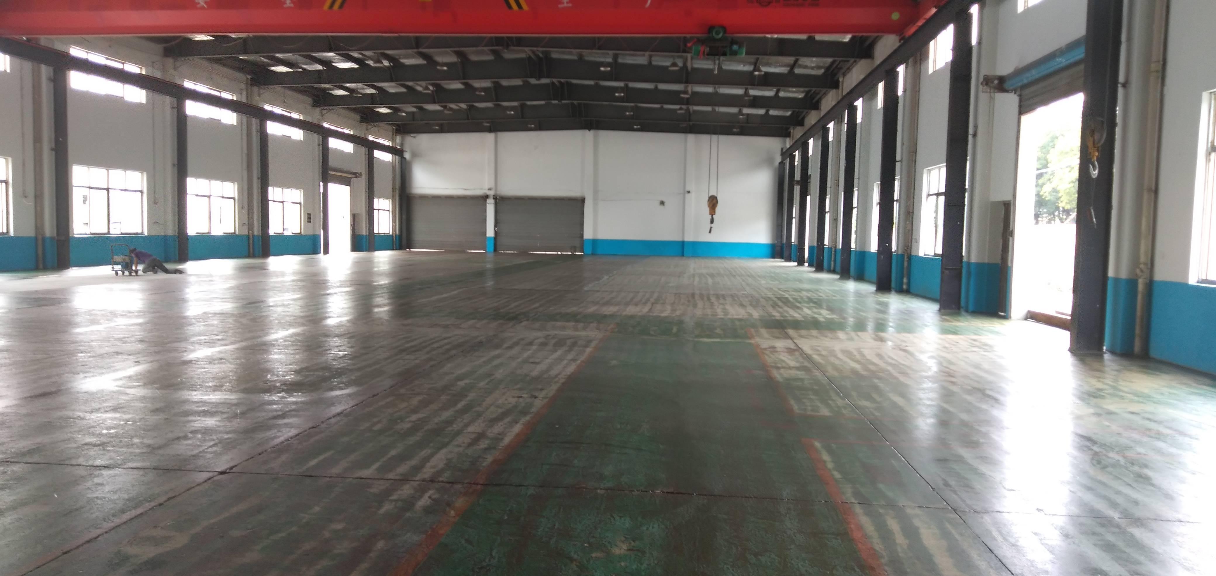 出租南港2000平米独栋厂房,有行车